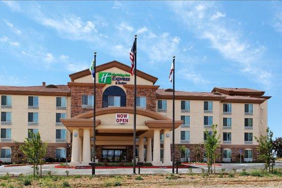 Holiday Inn Express Hotel & Suites Fresno Northwest-Herndon : Hotel Exterior