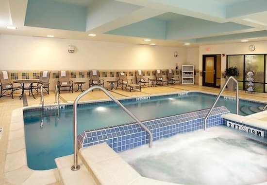 Cumberland, MD : Indoor Pool & Spa