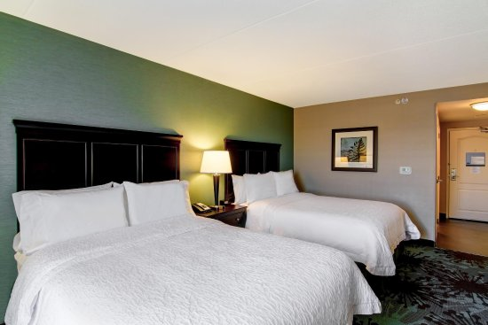 Hampton Inn by Hilton Toronto Airport Corporate Centre: 2 Double Queen Beds