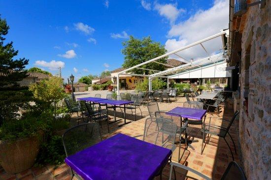 Pailloles, فرنسا: terrasse du restaurant