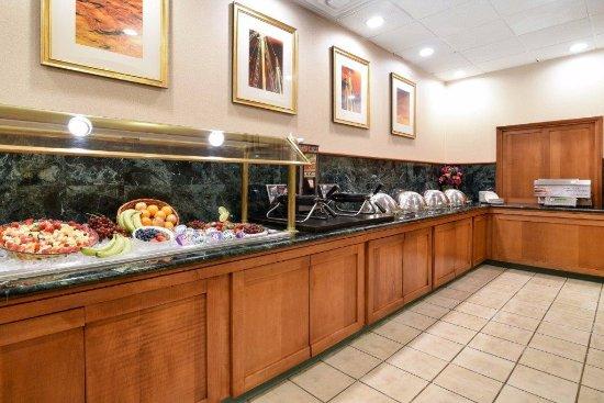 Clarion Hotel: Breakfast Buffet