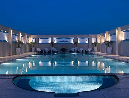 Hilton Garden Inn New Delhi / Saket: Pool