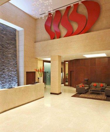 Hilton Garden Inn New Delhi / Saket: Lobby
