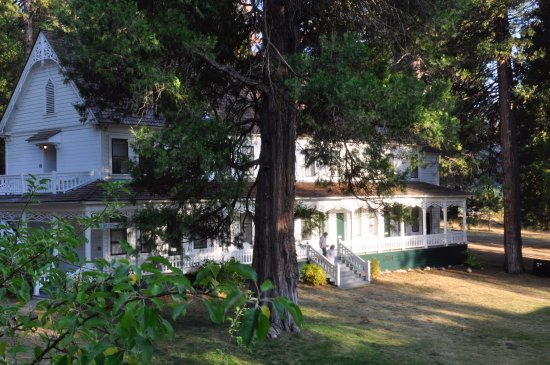Wawona, CA: One of the auxilliary buildings