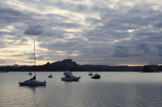 Whangaroa, Selandia Baru: 港口超寧靜~
