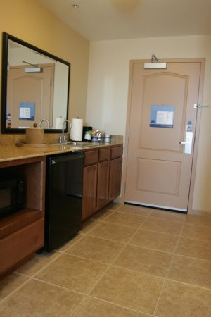 Folsom, CA: Suite Kitchenette