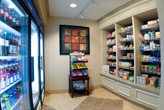 Hilton Garden Inn Pensacola Airport -Medical Center: Pavilion Pantry