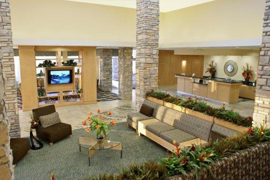 Denton, TX: Hotel Lobby