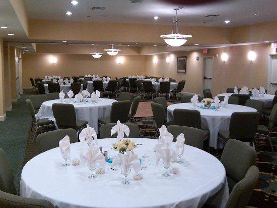 Denton, TX: Banquet Style Set-Up