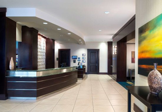 Residence Inn Portsmouth Downtown/Waterfront: Front Desk