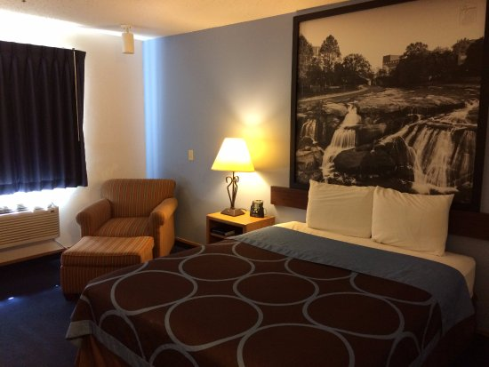 Wichita Falls, TX: Single Queen Bed
