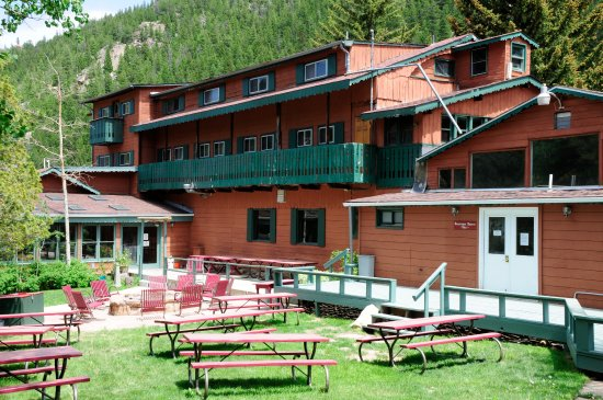 Peaceful Valley Resort and Conference Center : River Side eating and Lodge
