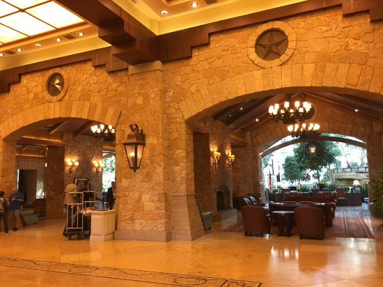 lobby picture of gaylord texan resort convention. Black Bedroom Furniture Sets. Home Design Ideas