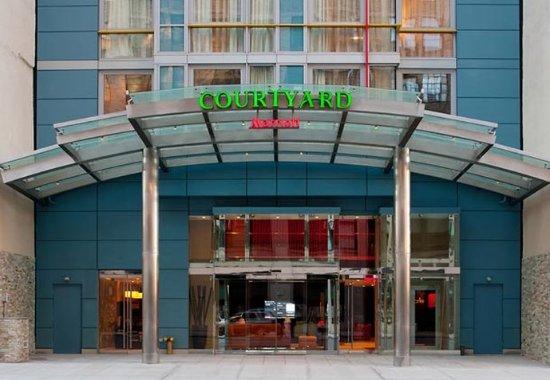 Courtyard New York Manhattan/SoHo: Entrance