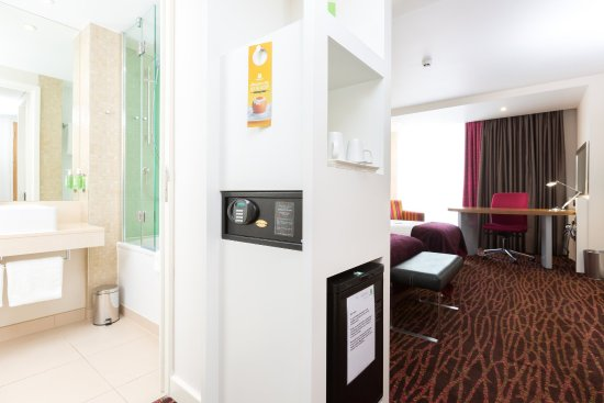 Salford, UK: Guest Twin Room