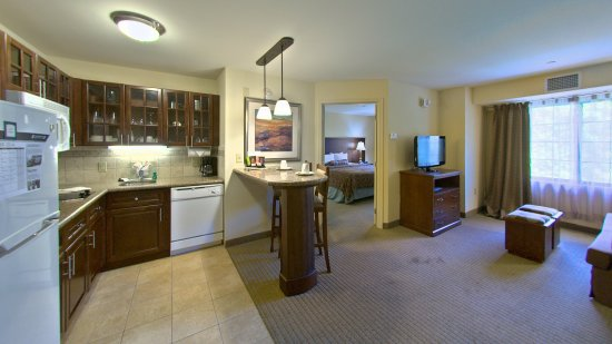 East Stroudsburg, PA: Double Bed Guest Room