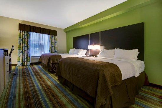 Christiansburg, VA: Queen Bed Guest Room
