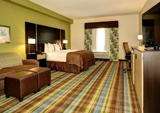 Christiansburg, VA: Deluxe Room