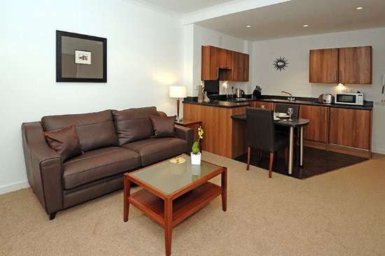 Fountain Court - Stewart Apartments: One Bedroom Apartment Lounge & Kitchen