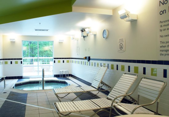 Millville, نيو جيرسي: Indoor Whirlpool