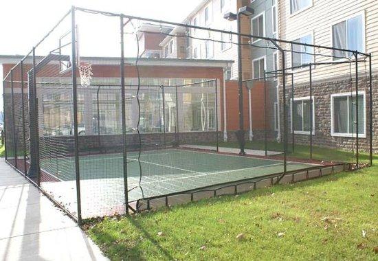 Monroeville, Πενσυλβάνια: Sport Court