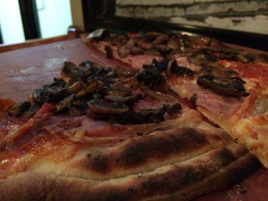 Plantation, FL: Pizza com cogumelos e presunto crú