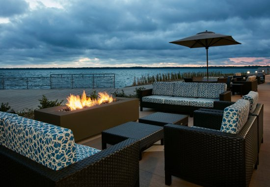 Outdoor seating picture of shoreline bar and grille