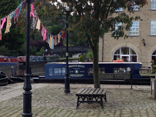 Hebden Bridge, UK: Lots to see along the canal!
