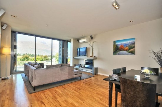 Pounamu Apartments: One Bedroom Premier Apartment