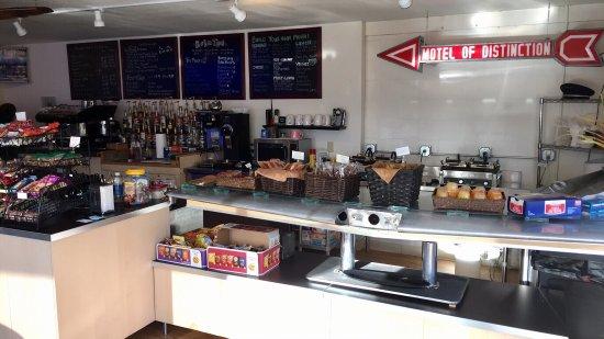 Tucumcari, NM: Friendly staff. Breakfast food good. Regular coffee weak. Mocha needed so-so. Interesting decor