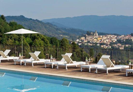 Castelvecchio Pascoli, İtalya: Outdoor Pool