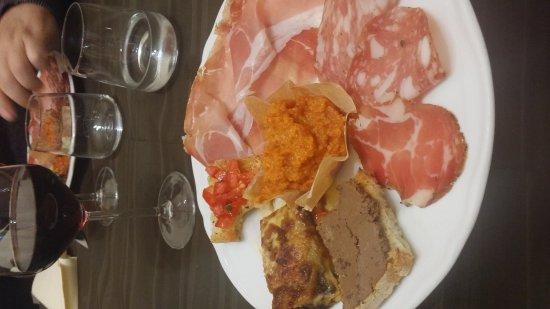 Castellina Marittima, İtalya: 20160928_202559_large.jpg
