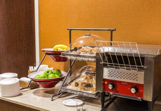 New Cumberland, PA: Breakfast Buffet