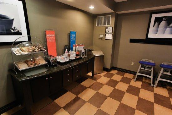 Middlebury, IN: Breakfast Area