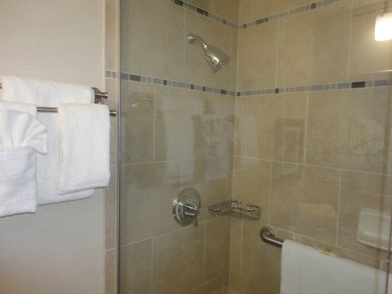 Crowne Plaza Danbury: Guest Bathroom
