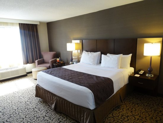 Crowne Plaza Danbury: King Room