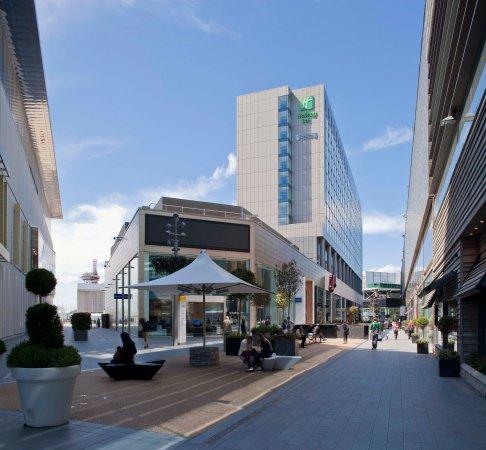 Staybridge Suites London-Stratford City: Exterior Feature