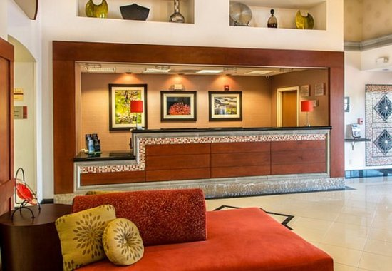 Fairfield Inn & Suites Tucson North/Oro Valley: Front Desk