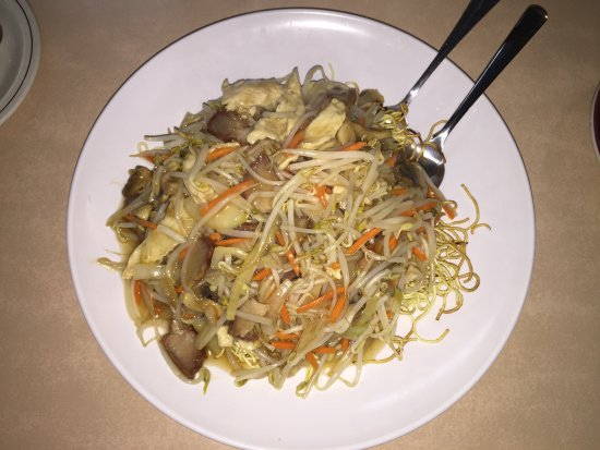 Olds, Canada: Cantonese Chicken Chow Mein
