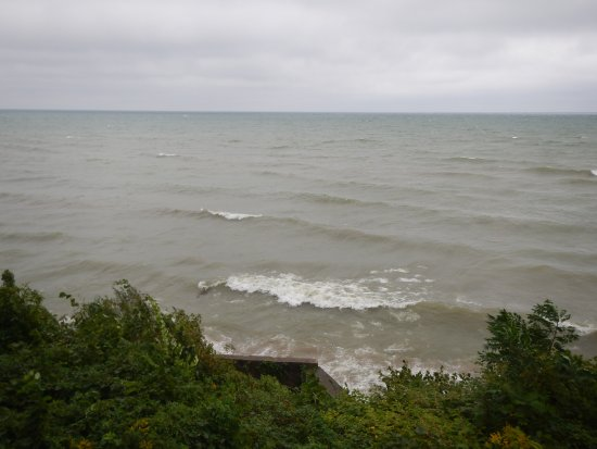 Geneva on the Lake, โอไฮโอ: Our view of Lake Erie while enjoying lunch outside at GOTL.