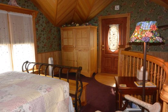 Mad Carpenter Inn: photo1.jpg