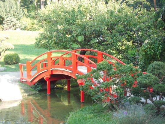 Le petit pont rouge - Picture of Jardin Japonais, Toulouse - TripAdvisor