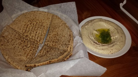 Babylon Cafe: hummus