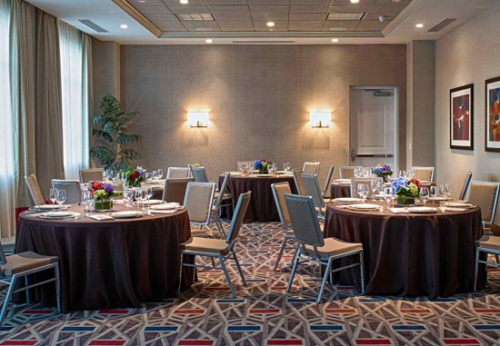 Chelsea, MA : Banquet Room- Rounds Set Up