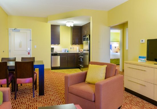 Frederick, MD: Two-Bedroom Suite