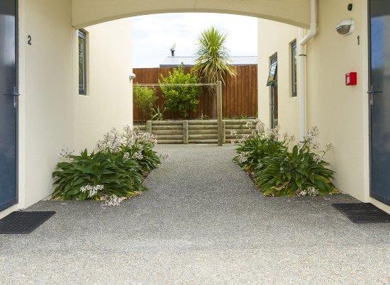 Bella Vista Motel Kaikoura: Laundry Walkway