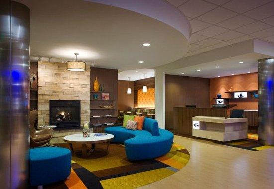 Tustin, แคลิฟอร์เนีย: Lobby Seating Area
