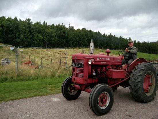 Newtonmore, UK: Old tractor still working