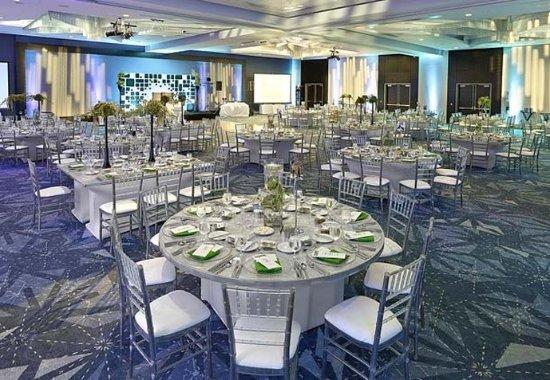 Leduc, Canada : Ballroom – Banquet Setup