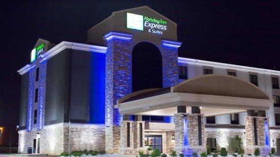 Holiday Inn Express Hotel & Suites Oklahoma City Southeast - I-35: Exterior Night: Holiday Inn Express & Suites Oklahoma City Hotel